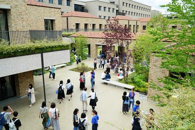 外国 大学 関西 語
